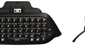 Xbox-One-Chatpad-Chat-Headset-plugs-directly-into-Chatpad-0
